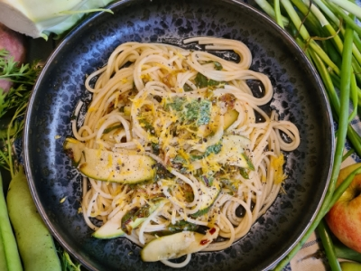 Kohlrabi leaf and courgette pasta