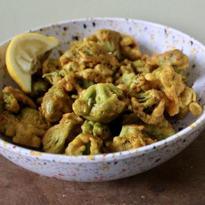 Cauliflower pakora tempura organic