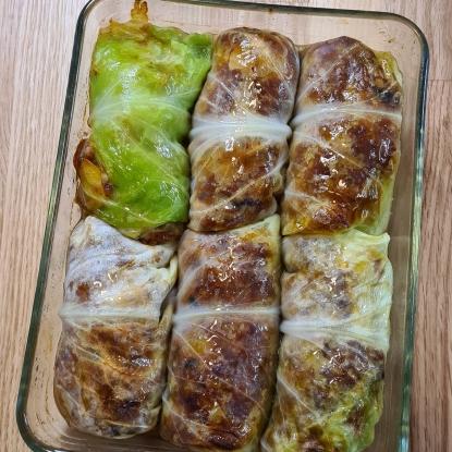 Vegan stuffed cabbage leaves