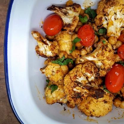 Roasted cauliflower, chickpeas & tomatoes