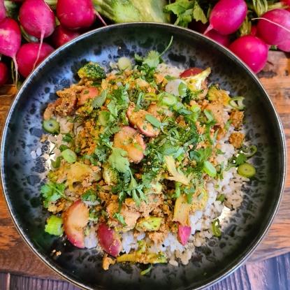 Aromatic radish & broccoli rice